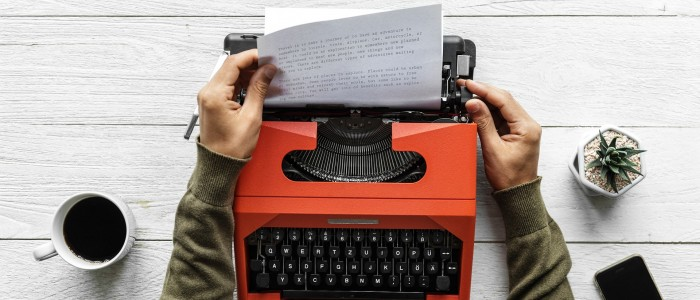 writing a good cover letter on typewriter